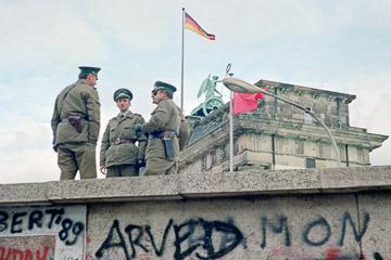 14. 11. 1989. Berliner Mauer vor dem Brandenburger Tor