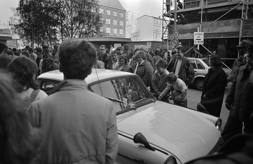 Berlin-Checkpoint-Charly-19891110-39.jpg